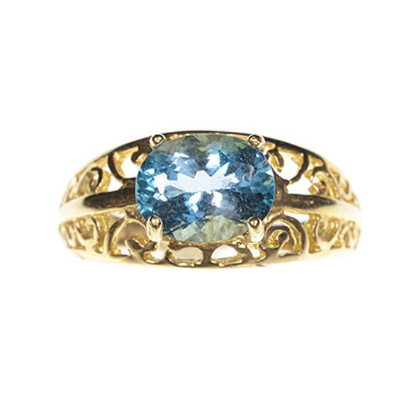 Blue Topaz Ring in 10kt Yellow Gold / Size 6.5