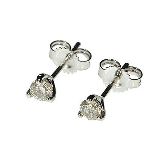 Diamond Stud Earrings in 14kt White Gold / 0.25 tcw