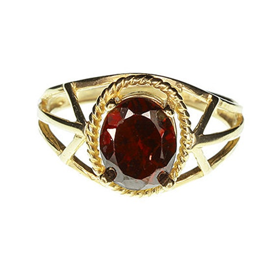 Rhodolite Garnet (2.00 cts) Ring in 10kt Yellow Gold / Ladies Size 6