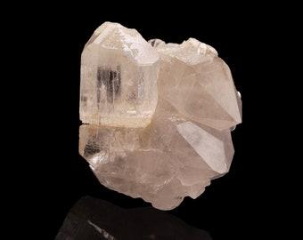 Topaz (GEM crystal) on Quartz - Sakangyi, Kyauk-Pyat-That, Mogok Township, Pyin-Oo-Lwin District, Mandalay Region, Myanmar