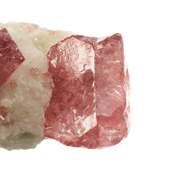 Spinel (twin) on matrix / Locality - Mogok Valley, Mogok Township, Pyin-Oo-Lwin District, Mandalay Region, Myanmar (Burma)