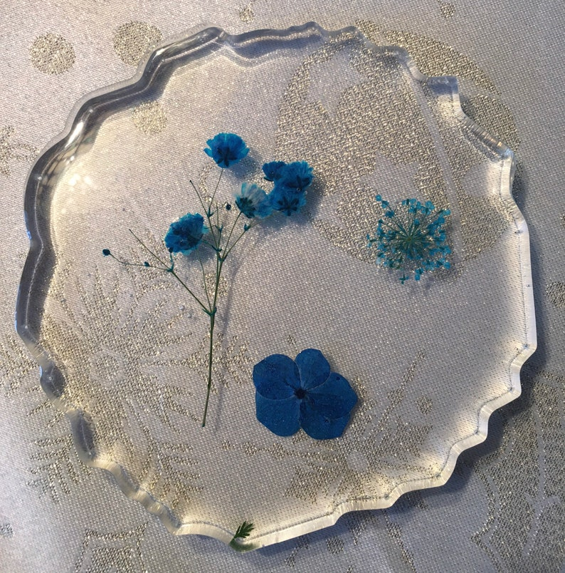 5\u201d set of 2 Clear Resin Coaster with real pressed flowers gold leaf Pressed flower Great addition to your desk Handmade resin