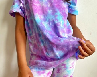 Tie Dye T-shirt and Shorts Set/ Free Personalized Initial/ Crumple Method/Purple and Blue