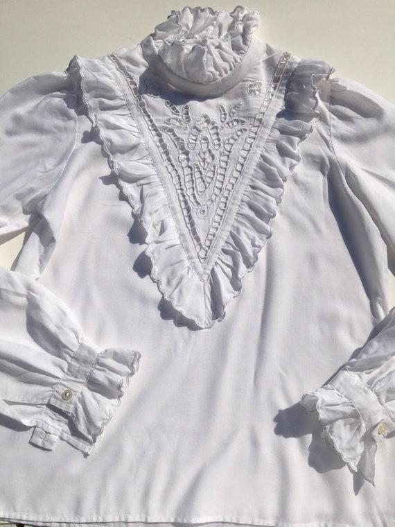 Vintage white ruffle romantic lace blouse, victor… - image 3