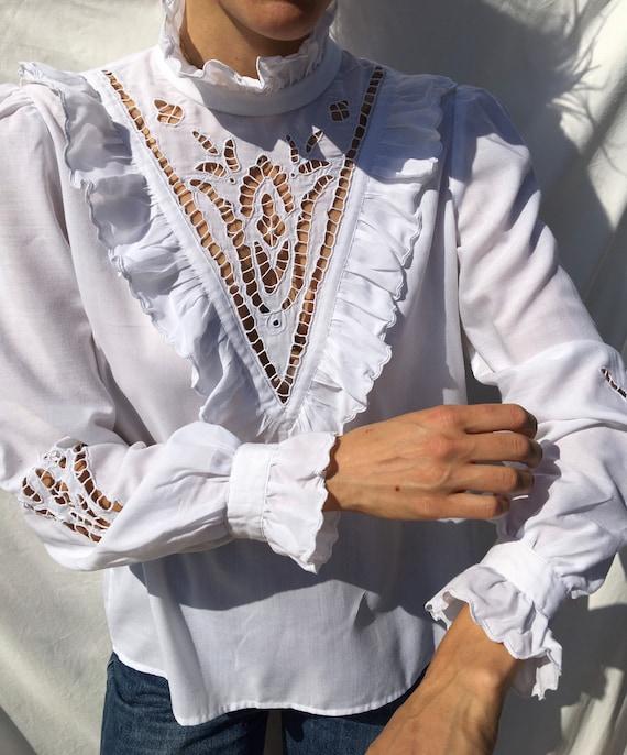 Vintage white ruffle romantic lace blouse, victor… - image 2