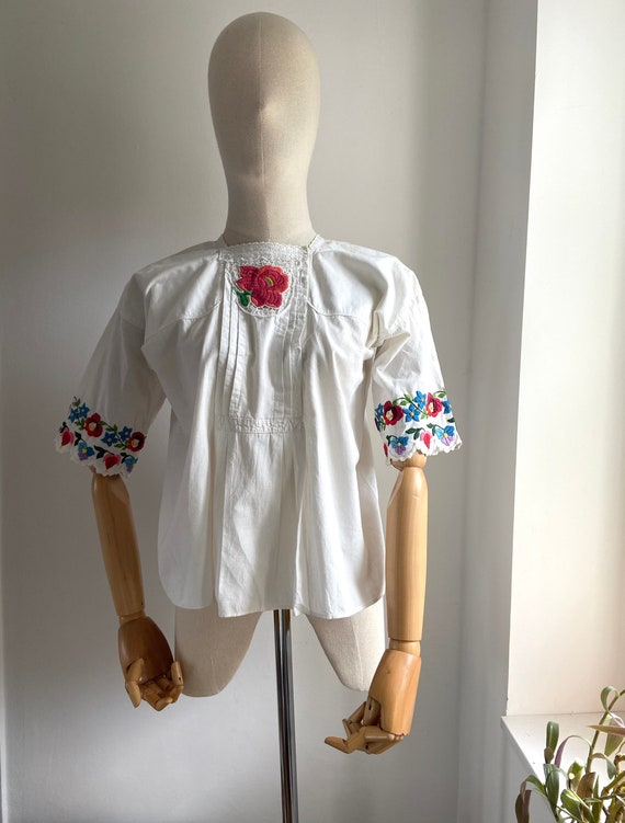 Vintage Hungarian hand embroidered folk blouse, A… - image 3