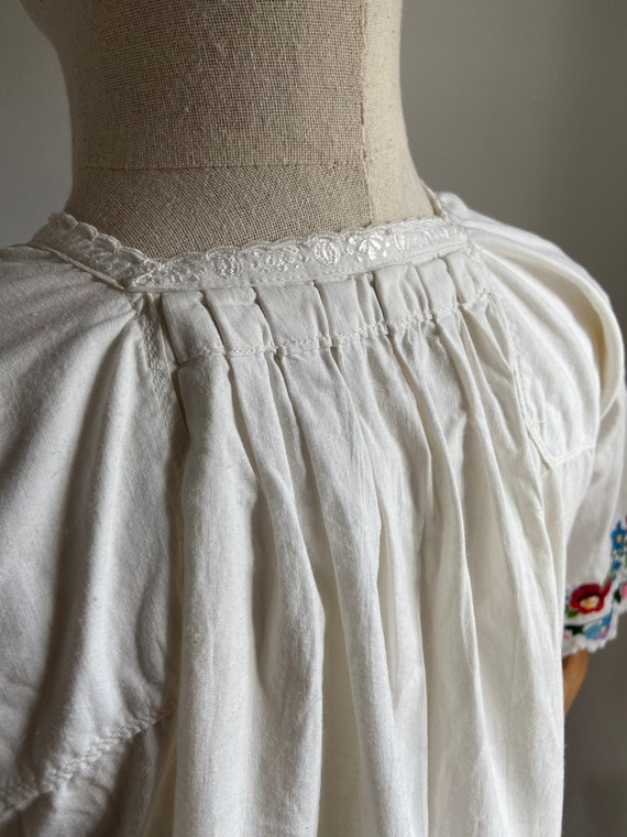 Vintage Hungarian hand embroidered folk blouse, A… - image 9