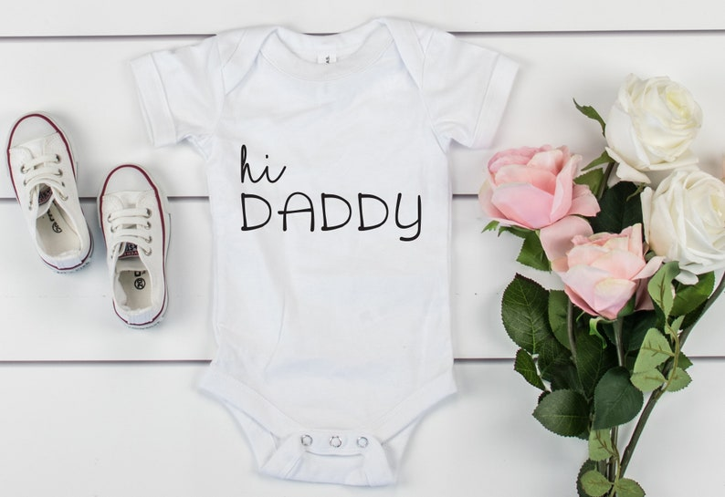 Hi Daddy Pregnancy Reveal Onesie\u00ae to Dads Announcement New Baby Coming Bodysuit