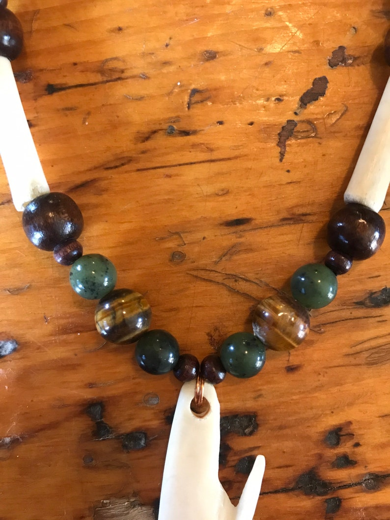 Alaskan bone Inuit style arrow tip necklace