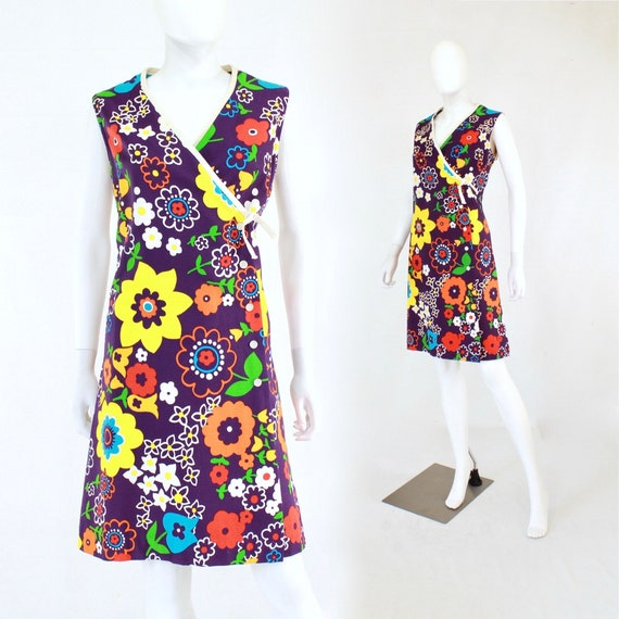 1960s Mod Floral Wrap Dress - 1960s Flower Power S
