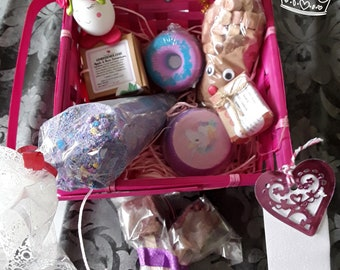 Wellbeing hampers for young ladies