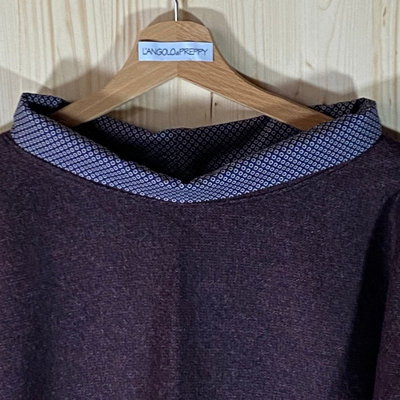 Wool mesh neck and wrists in cotton optical design in contrast marc color