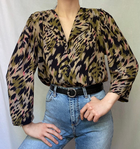 Long sleeve blouse with shoulder pads