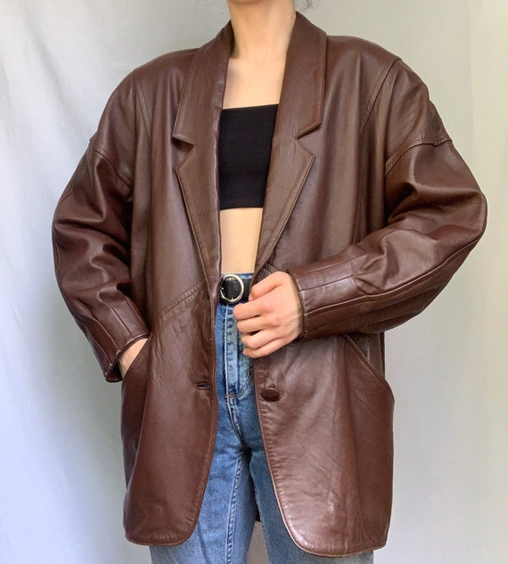 Brown leather jacket from 70's with shoulder pads