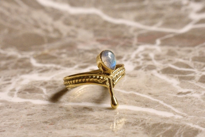 Teardrop Ring,Blue Moonstone Ring,Bohemian Ring,Gemstone Ring,Vintage Moonstone Ring,Stacking Ring,Hippies Ring,Personalized Ring