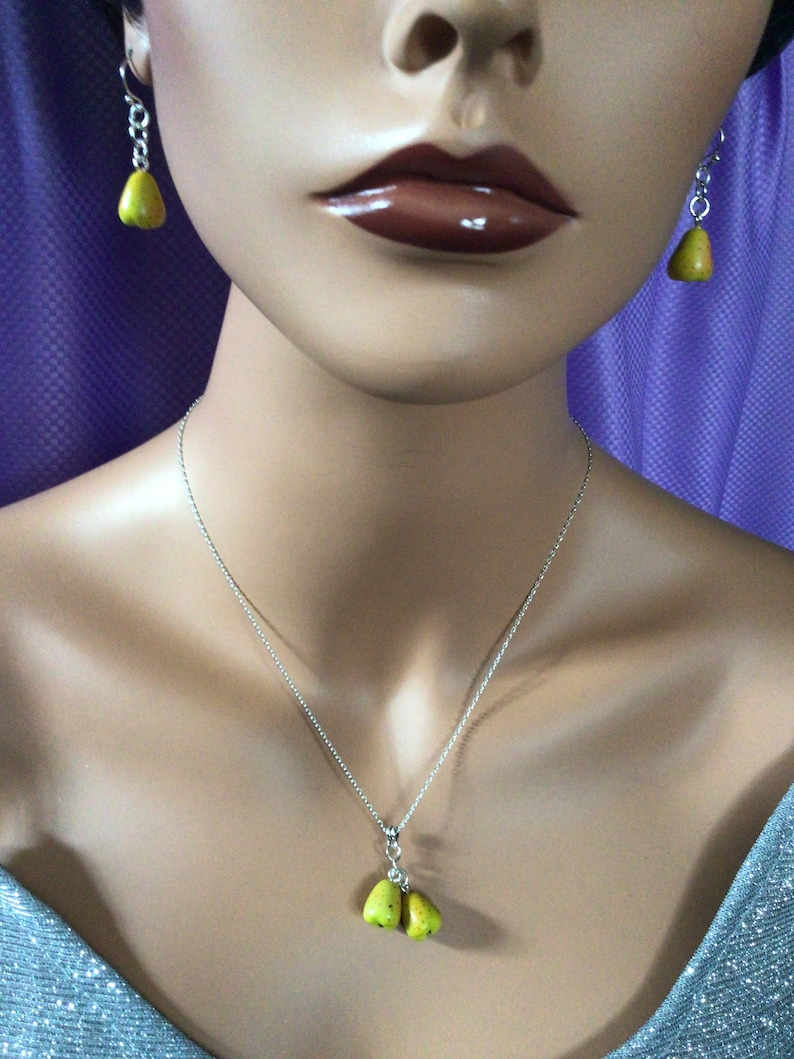 Yellow Pear Necklace and Earrings 1595