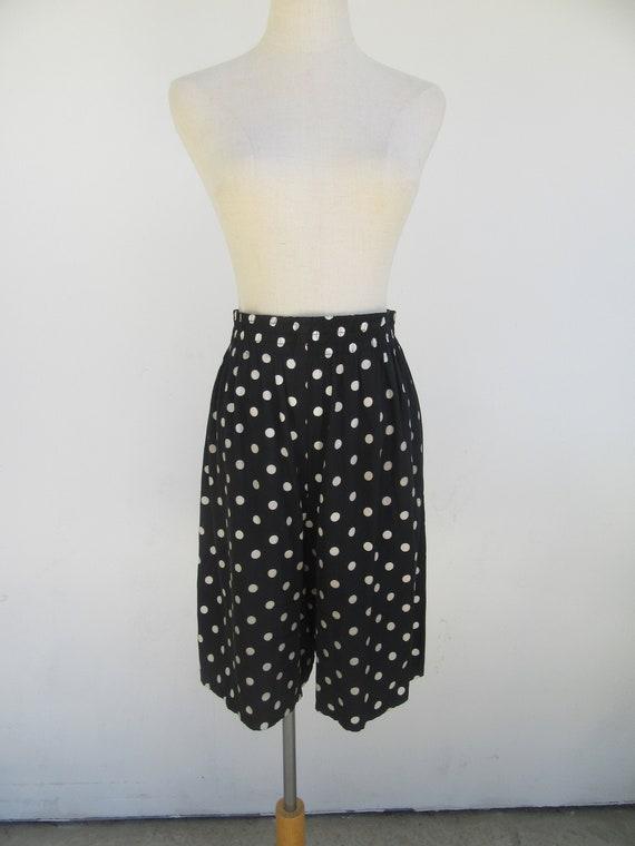 90s Black & White Polka Dot Elastic Waist Shorts |
