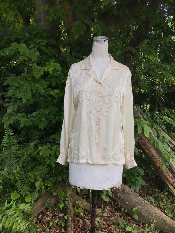 Vintage Chinese silk Blouse