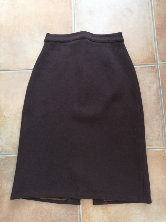 40s style brown skirt