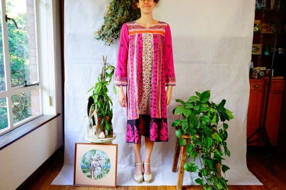70' Indian Tunic Kaftan, one size hand made vintag
