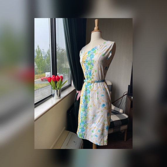 1960s XS Asymmetrical Abstract Dress, 60s Floral D