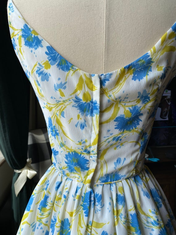 1950s Floral Blue and White Sundress Small, 50s S… - image 4
