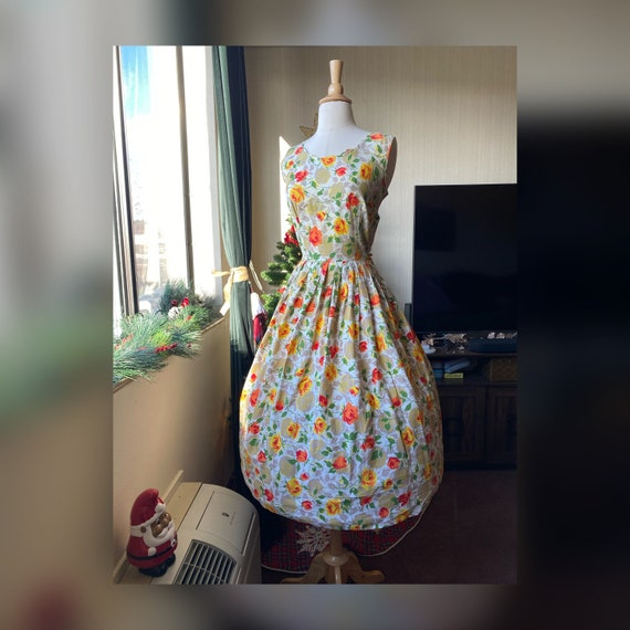 1950s Small Yellow and Orange Rose Print Day Dress