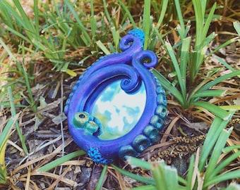 Tentacle Mirror / Handheld Compact Mirror / Horror HP Lovecraft