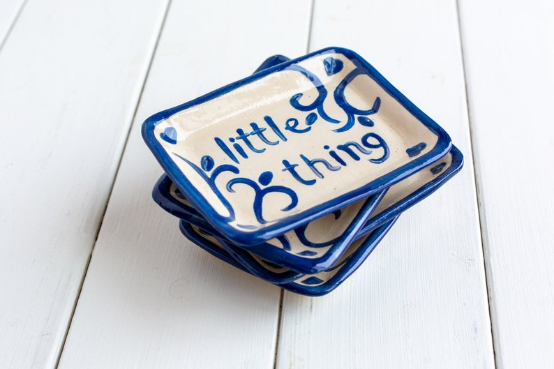 Ceramic Gift Tray Blue and White Pottery Scandinavian style Jewelry Tray Trinket Holder Set Of 4 Blue And White Ceramic Ring Dish