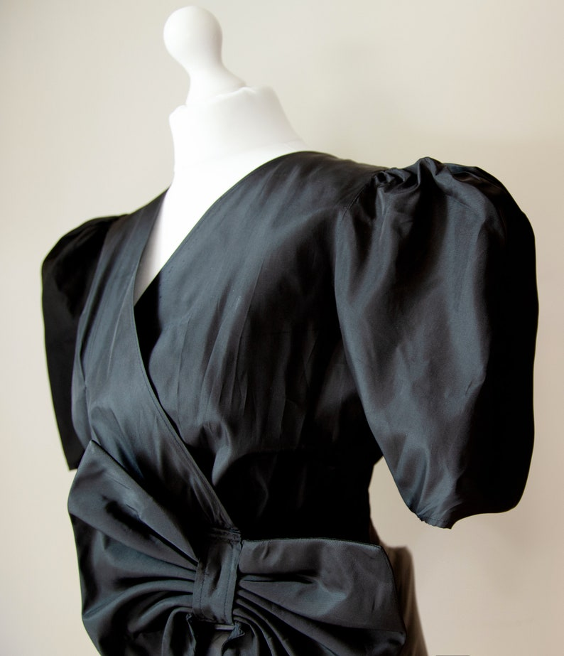 Woman Vintage 80s Black Blouse Short Puffed Sleeves front Bow Size UK 14
