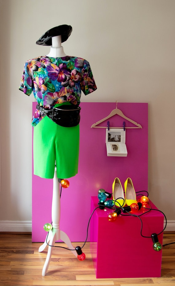 Cycling  Shorts/ Vintage 80s high waisted neon gre