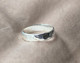 Silver Hammered Ring • 925 Sterling Silver • Band Hammered Ring • Dainty Hammered Ring • Band Ring • Handmade Hammered Ring • Gift Ideas •