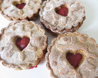 Dog Friendly Jammy Dodgers - Healthy Dog Treats - Gifts for Dogs - Presents for Dogs - Fun Dog Treats - Wheat Free Dog Treats