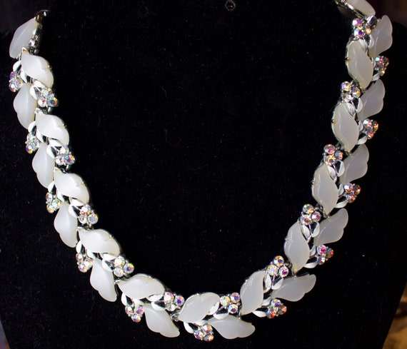 Lisner 1950's Crystal Necklace