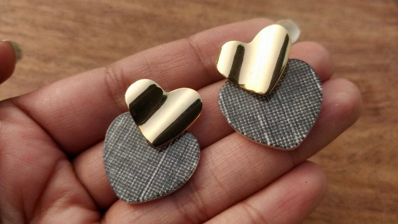 Heart Stud Earrings Delicate Dainty Heart Earrings Minimalistic Tiny Heart Earrings Heart shape Gold earrings Valentines Day Earrings