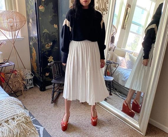 Pleated White Cotton Pleated Skirt- Midi - image 1