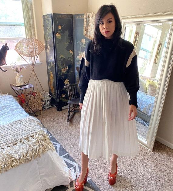 Pleated White Cotton Pleated Skirt- Midi - image 3