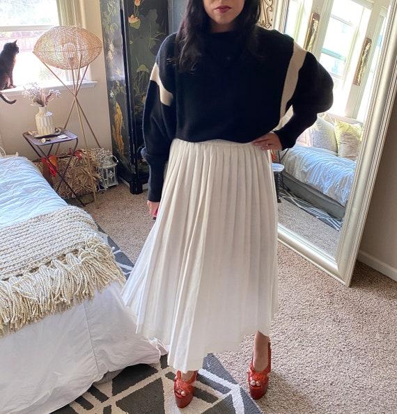 Pleated White Cotton Pleated Skirt- Midi - image 4