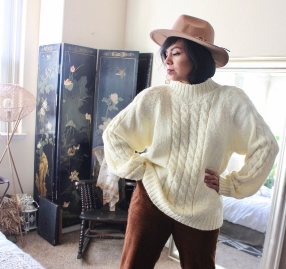 Cream- 1980's Aran- Cable Knit Minimal Sweater