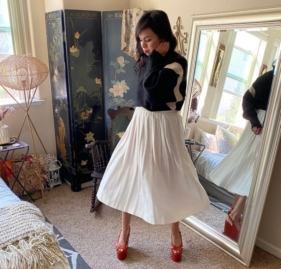 Pleated White Cotton Pleated Skirt- Midi - image 2