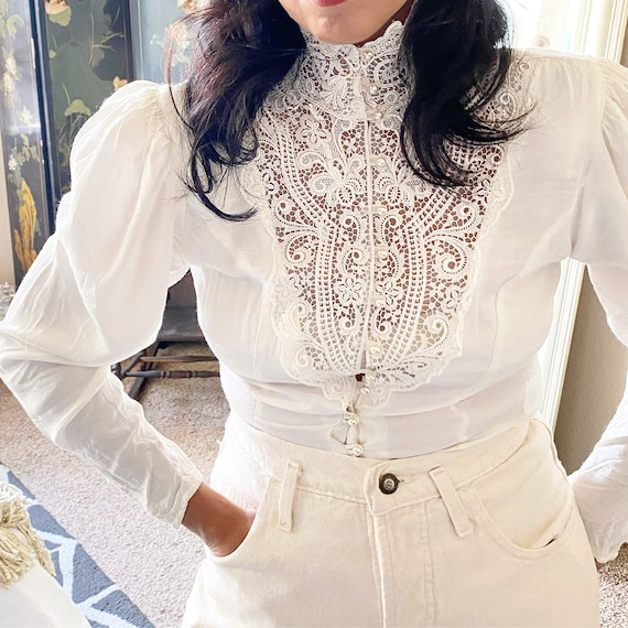 1980s Victorian Inspired-Bishop Sleeve- Detailed f