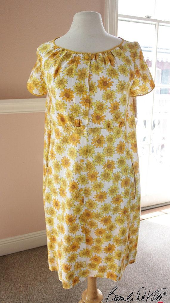 Plus Size Vintage Dress 60s Floral