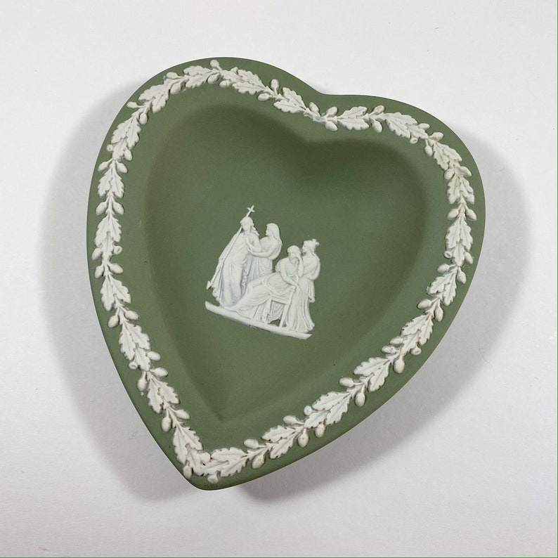 Wedgwood Green Jasperware Renaissance Ceramic Heart Shaped Pin  Trinket  Jewellery Dish Cameo Relief Staffordshire English Pottery Plate