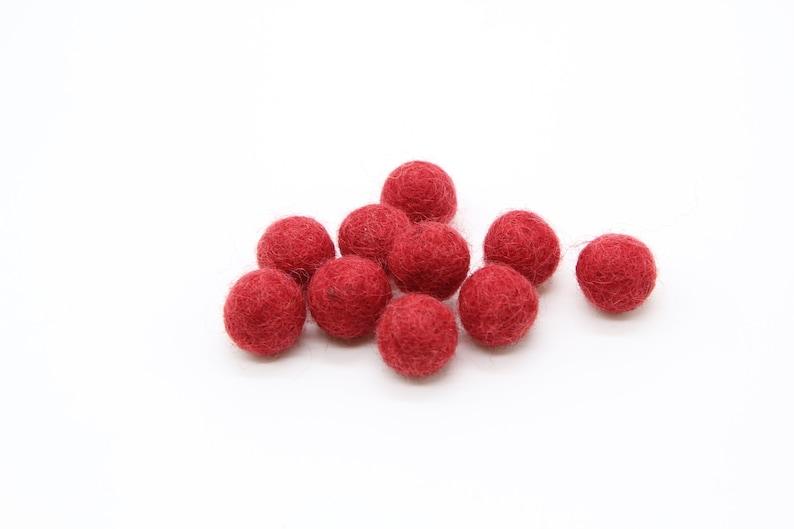 10 x 1.5cm Wool Felt Balls in Assorted Red Felt Pom Poms Felt Beads Pompoms 100/% Wool Handmade Felt Balls