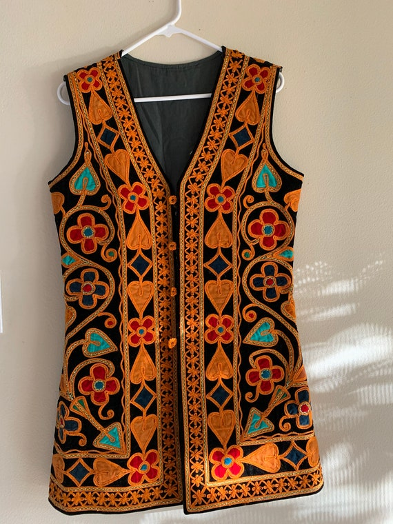 African traditional attire - women's vest embroide