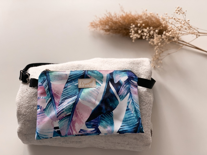 Kidney for excursions Handbag for a woman in banana leaves Sachet for keys and money--- Colorful hip bag