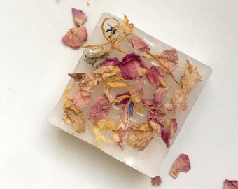 botanical soap with dried petals | handmade soap| made in France | gift for Valentine's Day