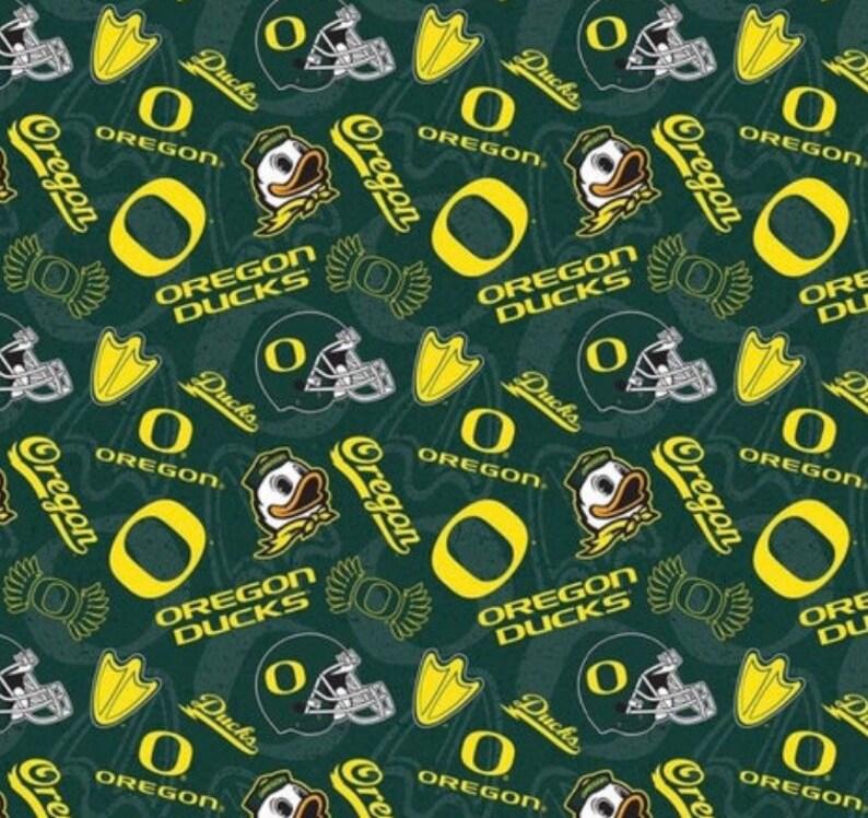 University of Oregon Ducks Mask and Matching Dog Bandana Set Reverses to Tie Dye Cotton 6 sizes for masks 7 sizes for Bandanas Made in PNW