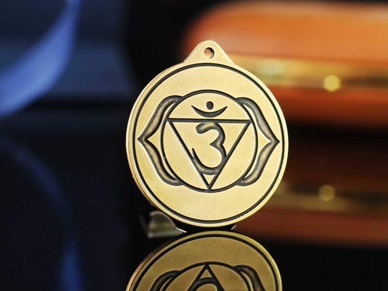 Pagan Necklace Celts Talisman Amulet pendant Knotwork Jewellery Chakra Ajna