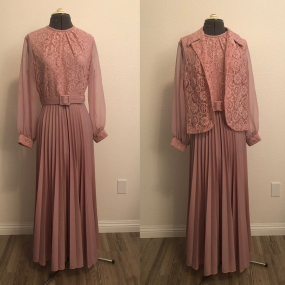 1970's Pink dress with belt and lace dress